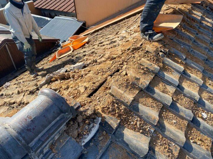 屋根 瓦解体作業