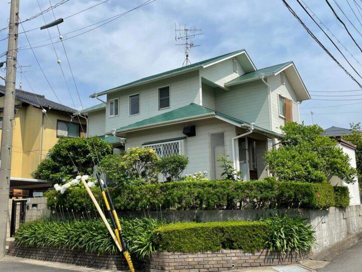 小牧市H様邸屋根塗装工事・駐車場屋根塗装工事・庇塗装工事